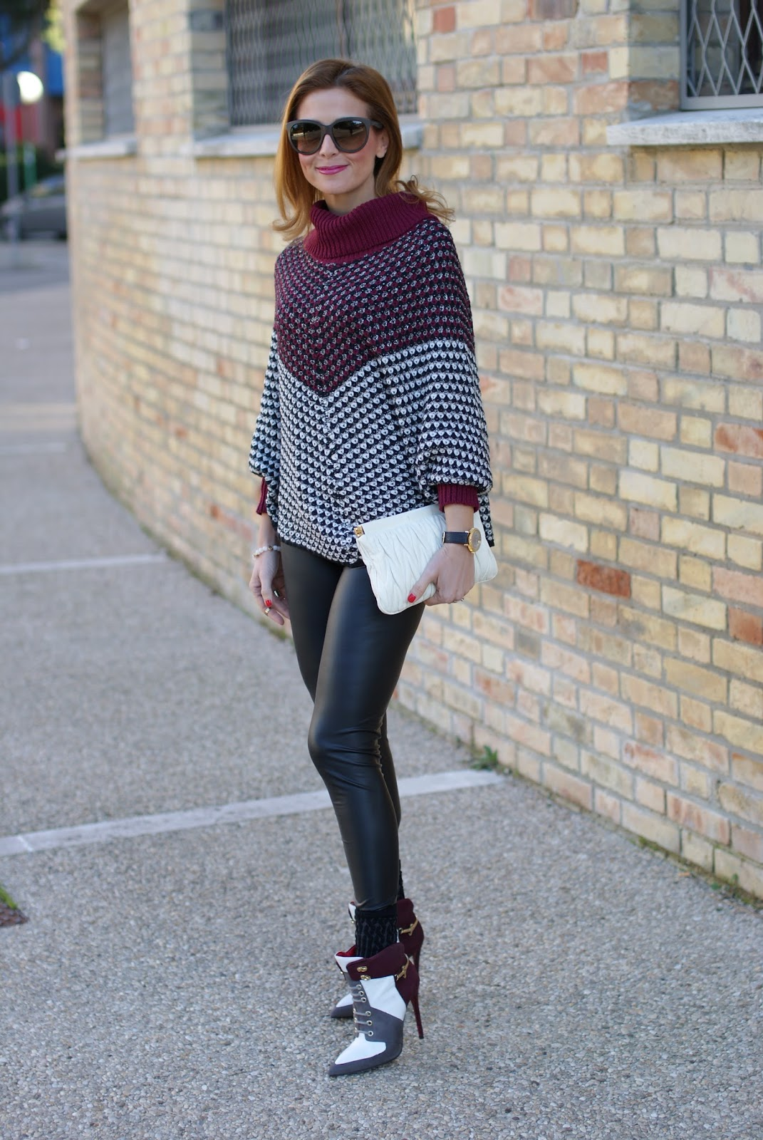 Jadea leggings, leather leggings and Smash! Prolix sweater on Fashion and Cookies fashion blog, fashion blogger style