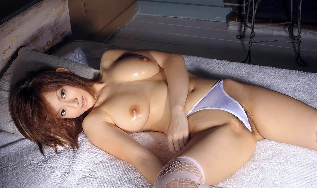 Hot Japanese AV Girl Reon Otowa nude