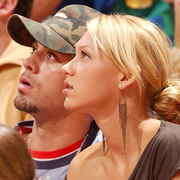 Enrique Iglesias and Anna Kournikova s Year Relationship