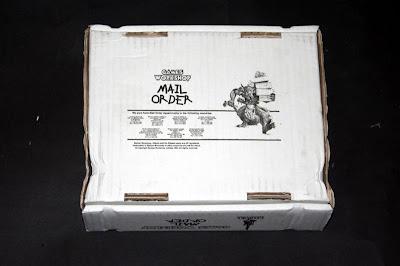 Dorso de la caja Telescópica de Games Workshop 19,5x23x17 cm