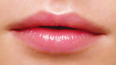 Membuat Kulit Bibir Lembut, Halus & Merona