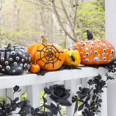 Scary halloween door decorating contest ideas - Mini Pumpkin Decorating Ideas For Kids A Perfect Diy For Kids