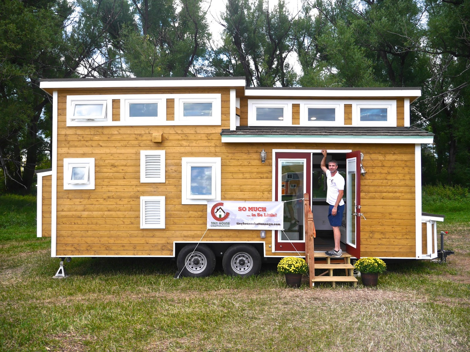 a luxury tiny house on wheels and its fully off grid capable. Black Bedroom Furniture Sets. Home Design Ideas