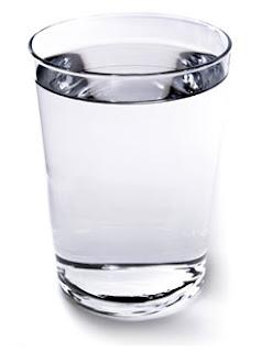 cup-of-water-كوب ماء يشد بشرتك ويخليها تلمع