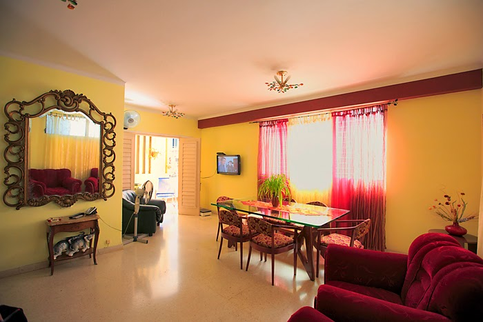 En Casa Maura, una excelente casa particular en la Habana Vieja, encuentras las facilidades para pasar unas magnificas vacaciones en Cuba