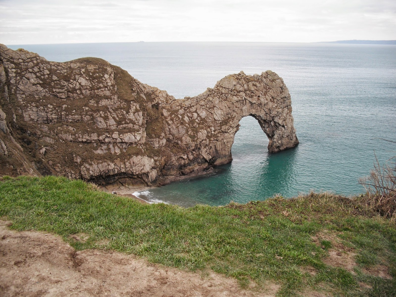 Photos show Durdle Dor; Osmington Mills; Bowleaze Cove; View to Weymouth and Portland; George 111 statue in Weymouth. & Walking the English coast - the easy way!: Walk 116 Lulworth Cove to ...