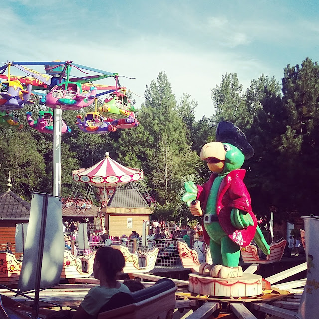 Dennlys parc, parc d'attractions