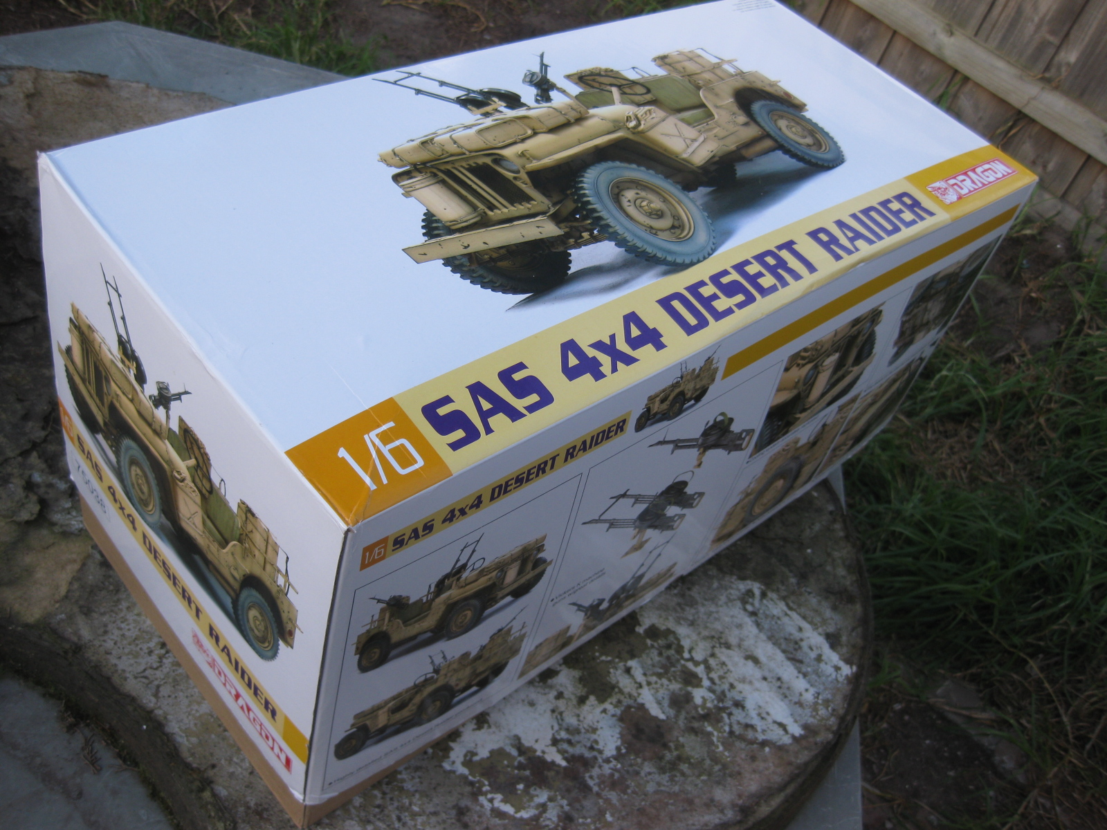 Kampfgruppe Karcuss  1 6 S A S opening the Box