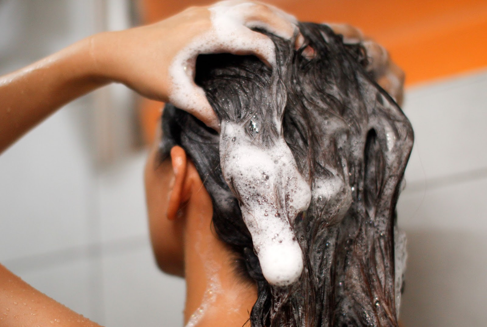 「washing hair」の画像検索結果