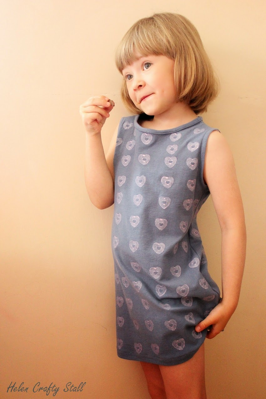Hearts printed Sundress (free pattern)
