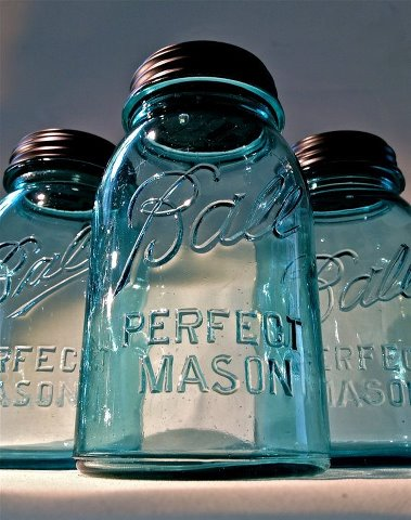 vintage influence perfect blue ball mason jars