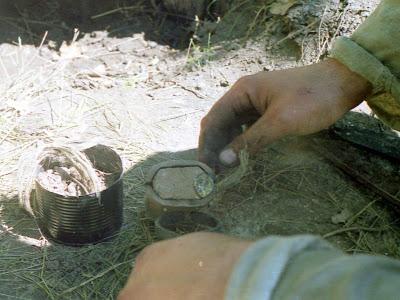 Отливка бронзового кельта в керамическую форму