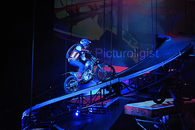 Captain America | Marvels Universe Live | Photo by Picturologist
