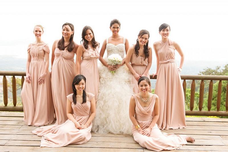 けっこん する (Kekkon Suru): Ladies in Pink and Green