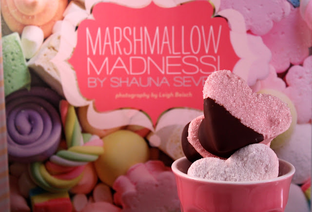 Chocolate-dipped strawberry marshmallows
