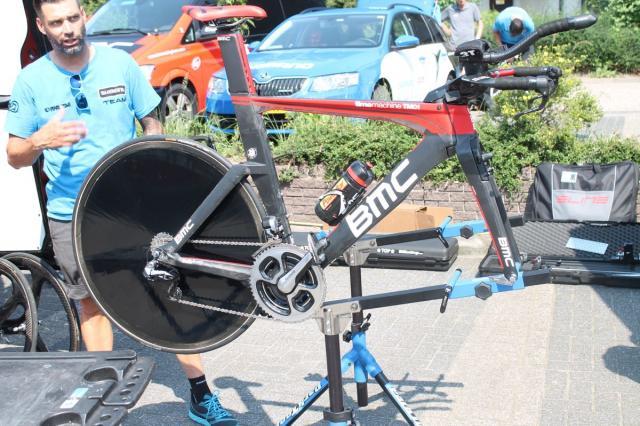 BMC Timemachine TM01, Rohan Dennis y su máquina en la primera del Tour