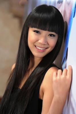 PHOTO: Julie Tan, 陈欣淇 chén xīn qí. At only 17 and already the prospective next generation of seven princesses. - 31c6692ec67bf54c_julietan