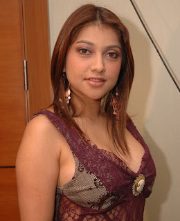Tante Sarah Azhari Telanjang - Foto Bokep HOT