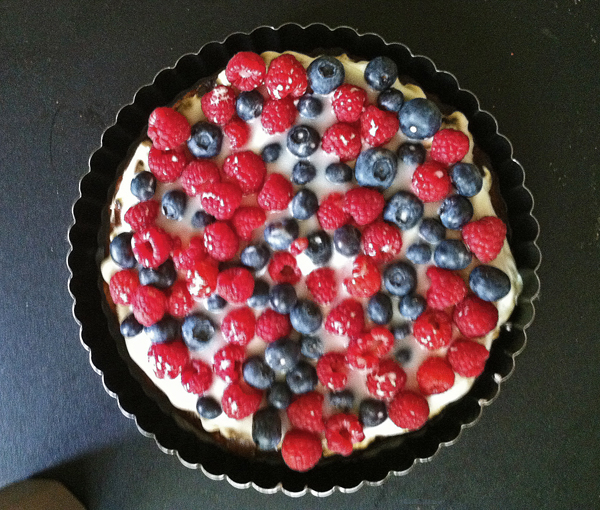 recipe for a delicious berry and curd tart