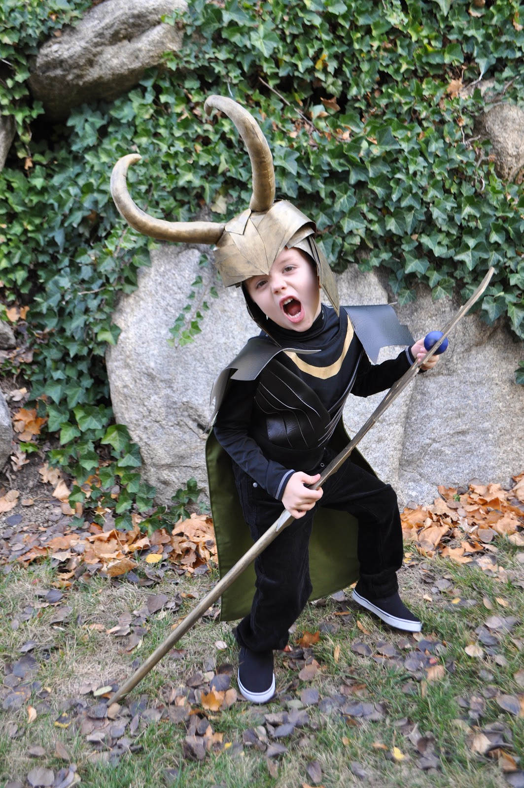 I am momma hear me roar loki costume solutioingenieria Gallery