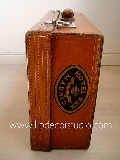 Decora con estilo y maletas vintage antiguas de los años 50-60-70. Originales y auténticas.
