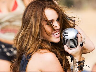 Miley Cyrus Latest Wallpaper-2011-1600x1200