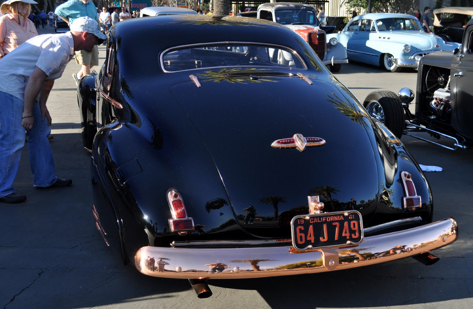 Here is the link to the gallery from last fall s la autorama http justacarguy blogspot com 2011 10 some copper trim on this buick makes it html