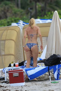 Doutzen Kroes great looking bum in bikini