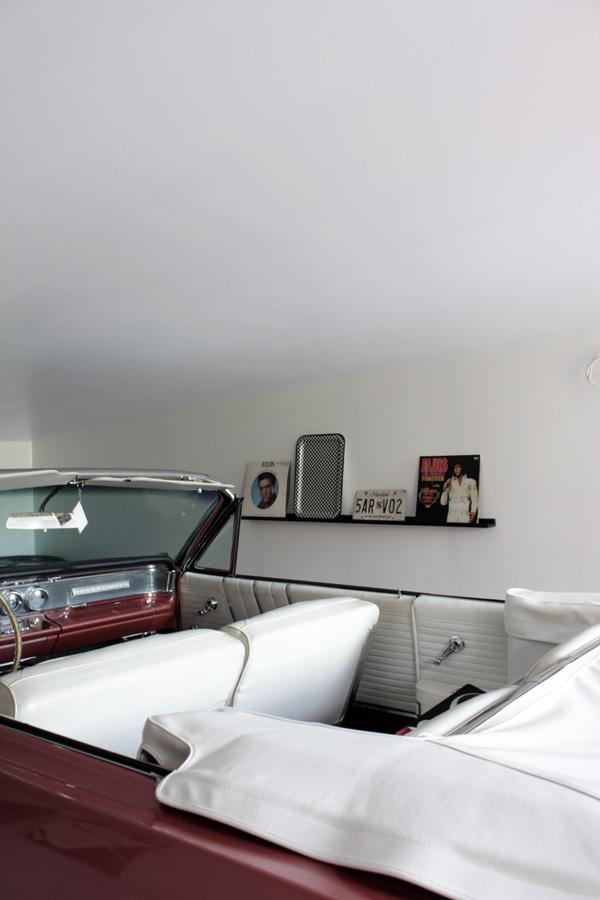 inredning garage, inreda garage med inspiration från 50-talet, inreda med inspiration från 60-talet, tavellist, gamla skivor, retro, inredning retro, rock and roll inredning
