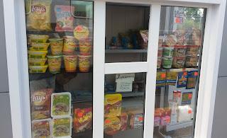 Puesto de comida en el andén, transiberiano 2015