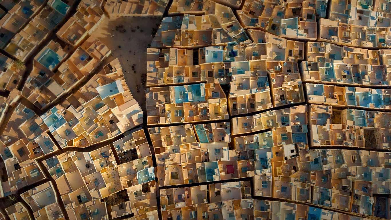 Beni Isguen, Ghardaia, Algeria (© George Steinmetz/Corbis) 382