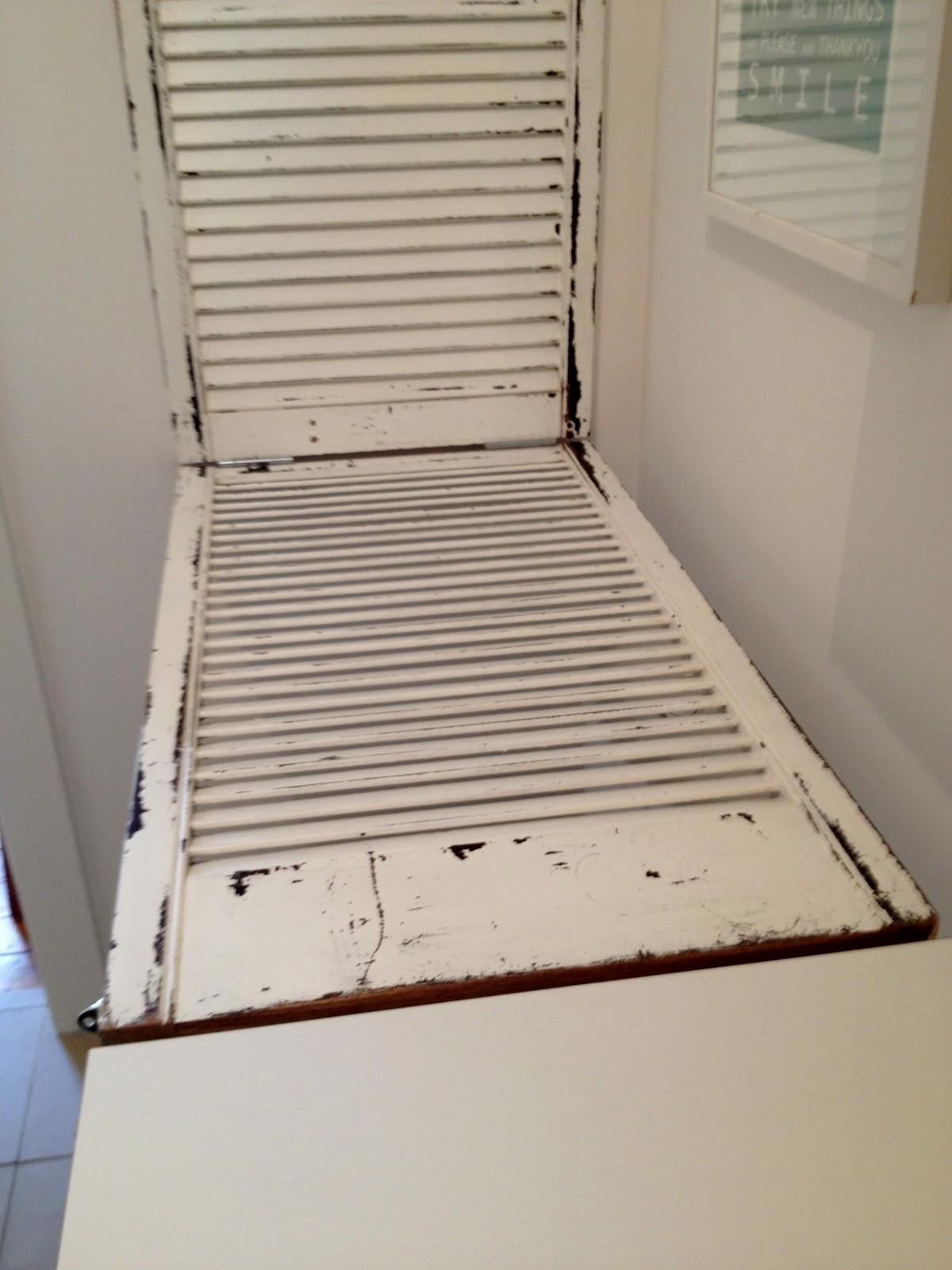 katcapers folding shelf unveiled. Black Bedroom Furniture Sets. Home Design Ideas