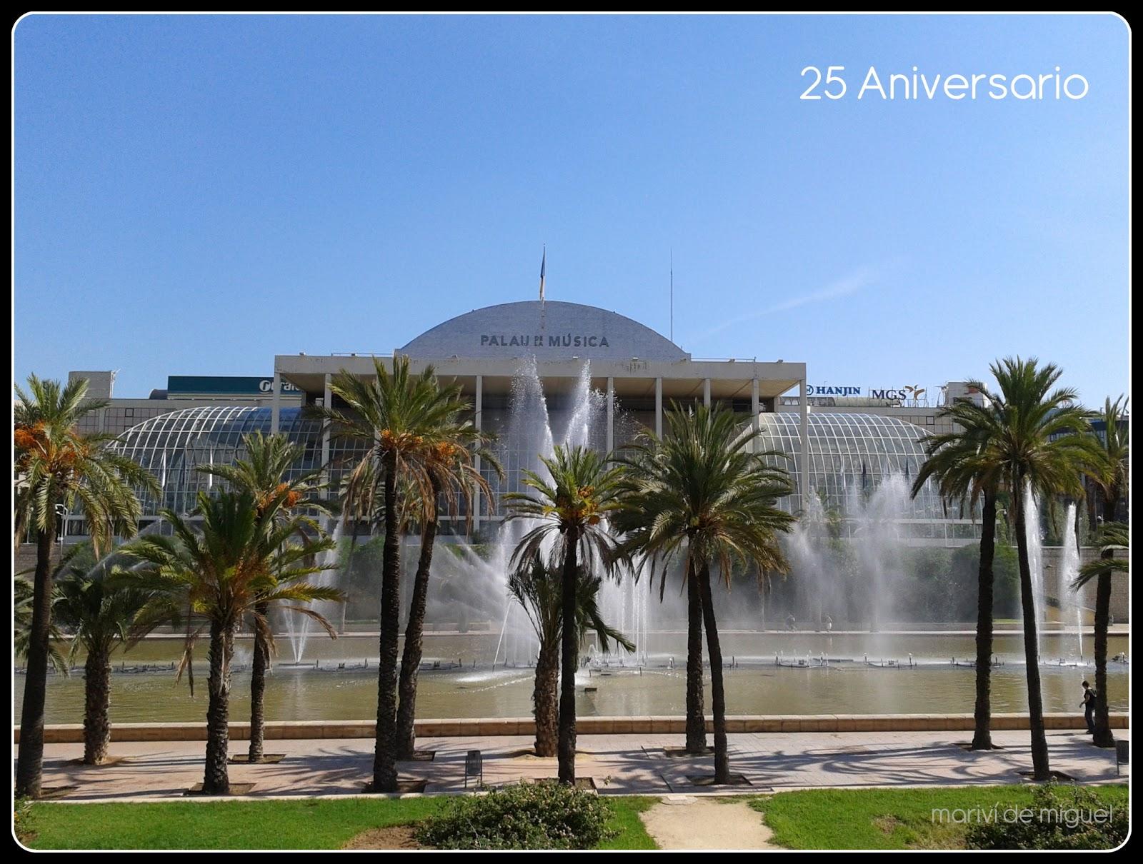 jardines del Palau de la Musica Valencia
