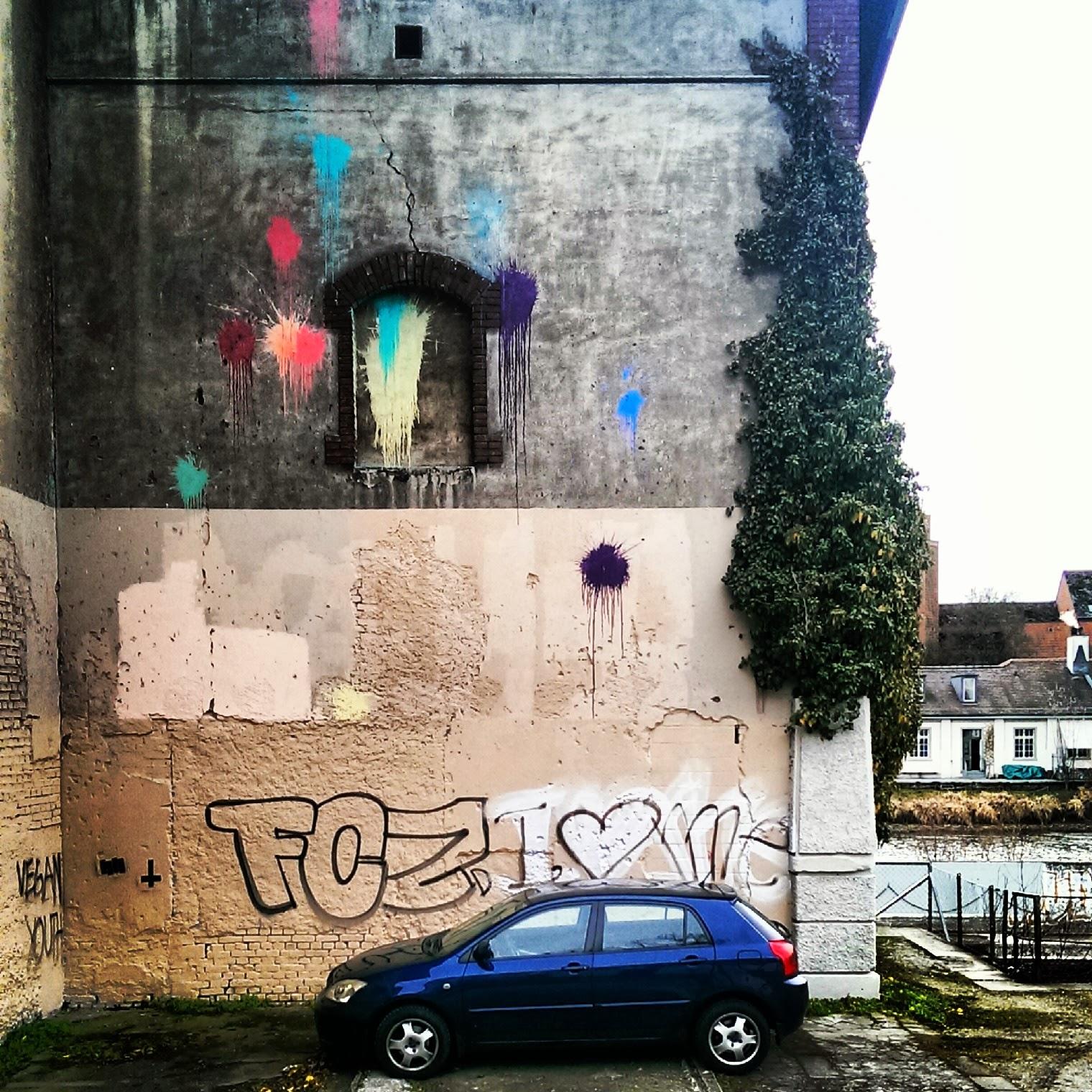 Zürich Schweiz Limmat Graffiti Colour