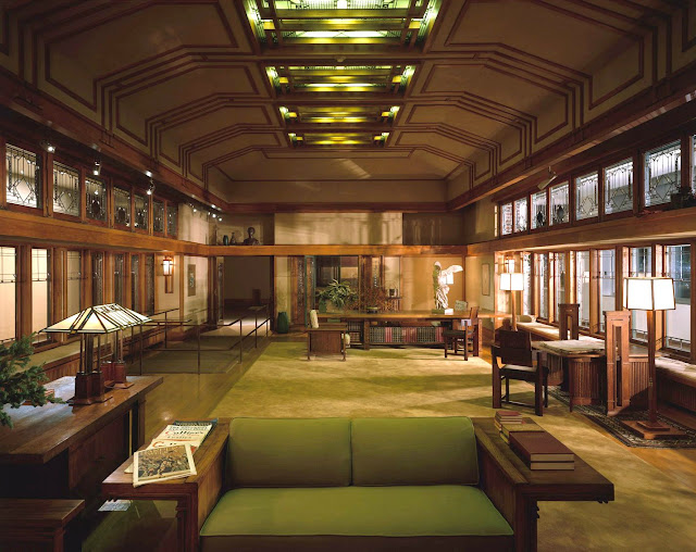The living room from Frances W. Little's summer house in Wayzata, Minnesota, designed by Frank Lloyd Wright in 1912, and rebuilt inside the American Wing of the Metropolitan Museum of Art in New York City.