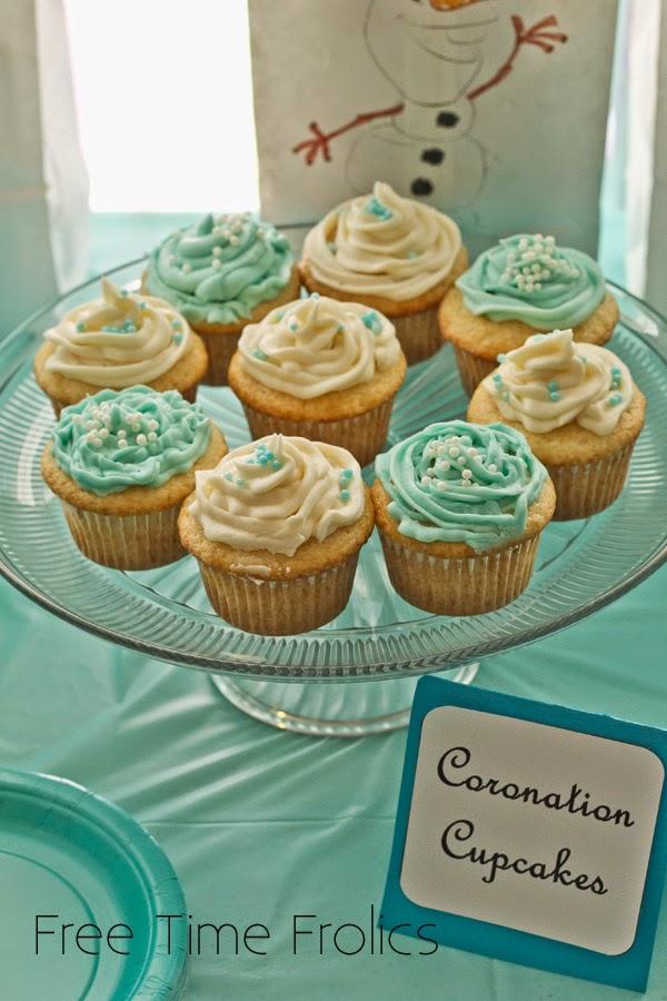 Frozen coronation cupcakes www.freetimefrolics.com