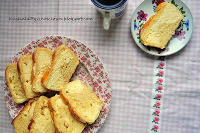 153. Ciasto drożdżowe z serem