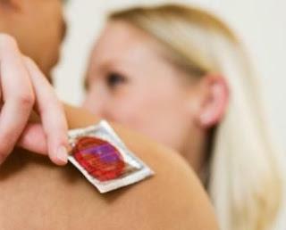 Inilah Akibatnya Bila Pakai Kondom Yang Sudah Kedaluwarsa [ www.BlogApaAja.com ]