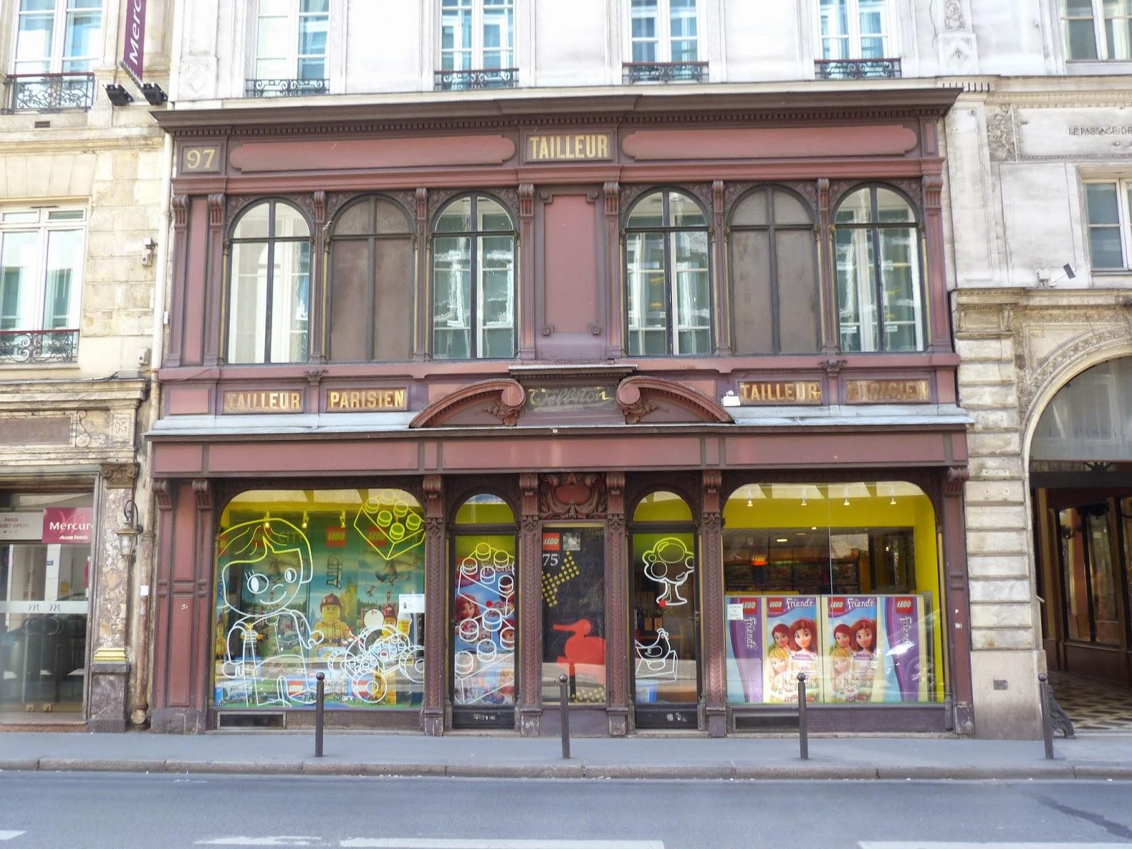 paris en d tail paris la loupe vitrines devantures et enseignes parisiennes. Black Bedroom Furniture Sets. Home Design Ideas