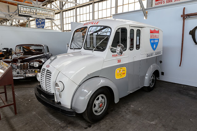 1959 DIVCO, Melville Dairy Truck