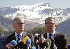 """ALEMANIA: El presidente de Lufthansa, en el lugar del siniestro: """"Se necesitará tiempo para entende"""
