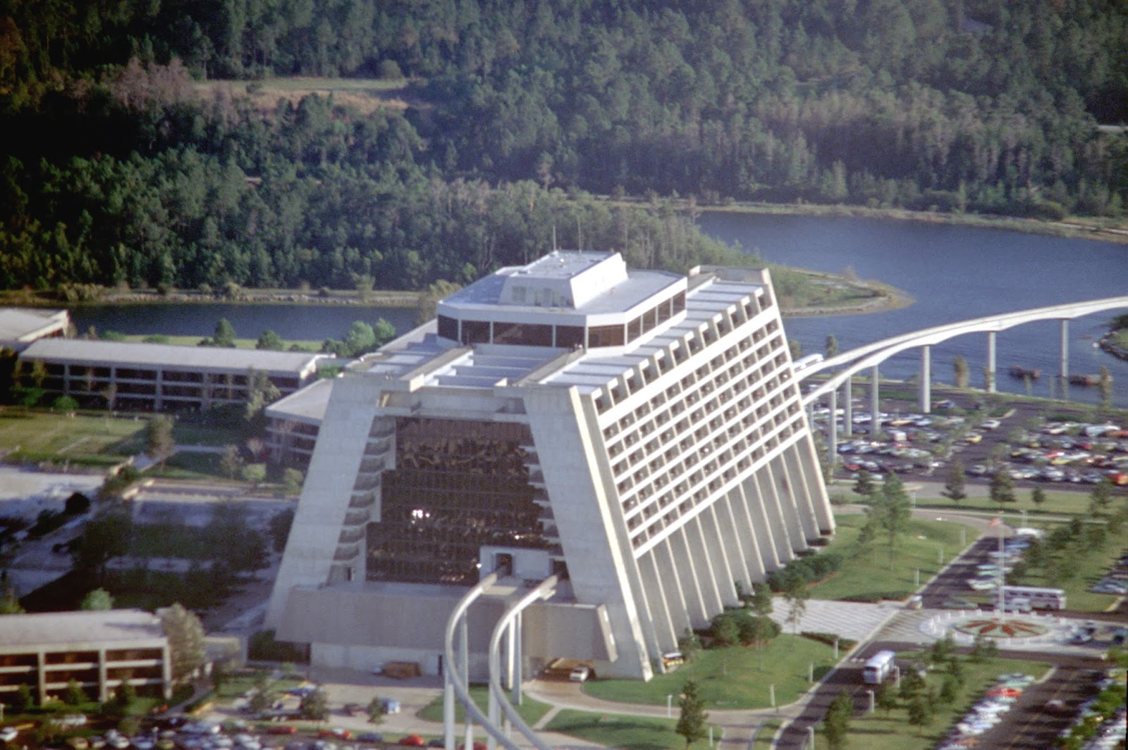 Passport To Dreams Old New The Contemporary Resort In