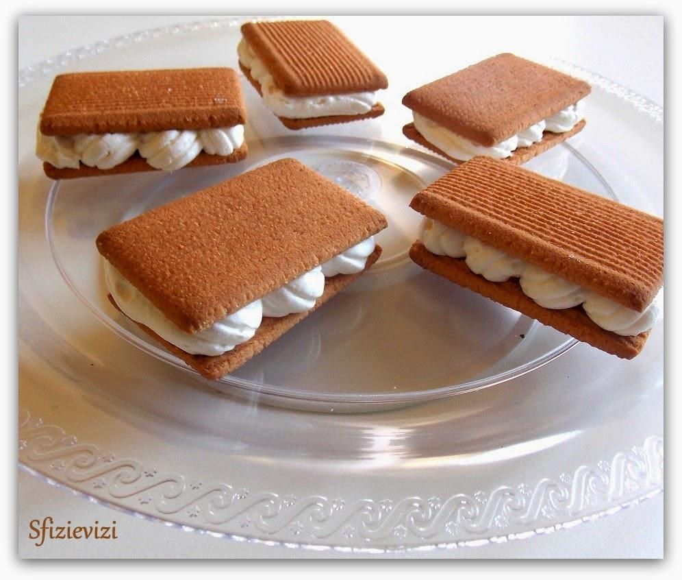 bocconcini di biscotto gelato - ovvero cosa fare della panna montata che avanza