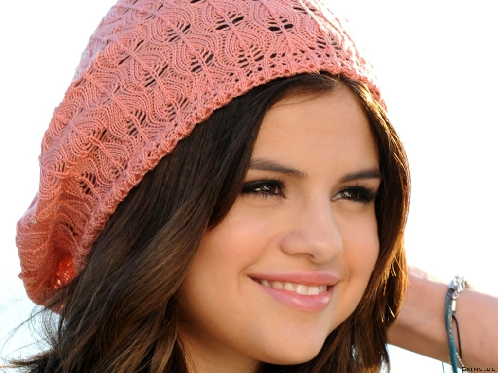 2011 photos of Selena Gomez