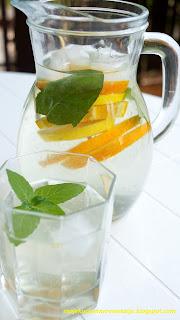 lemoniada z cytryną