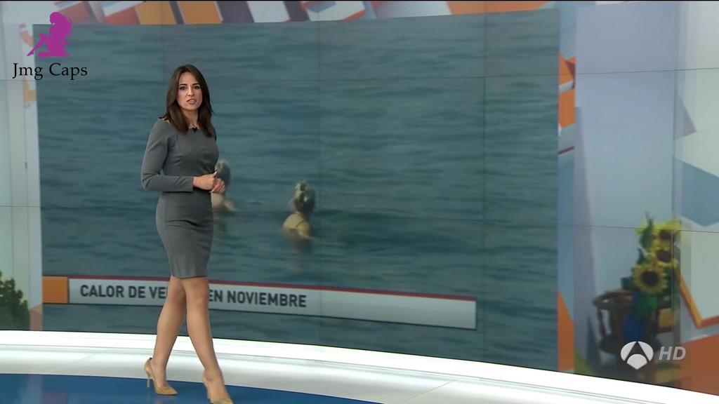 LORENA GARCIA, LAS NOTICIAS DE LA MAÑANA (09.11.15)