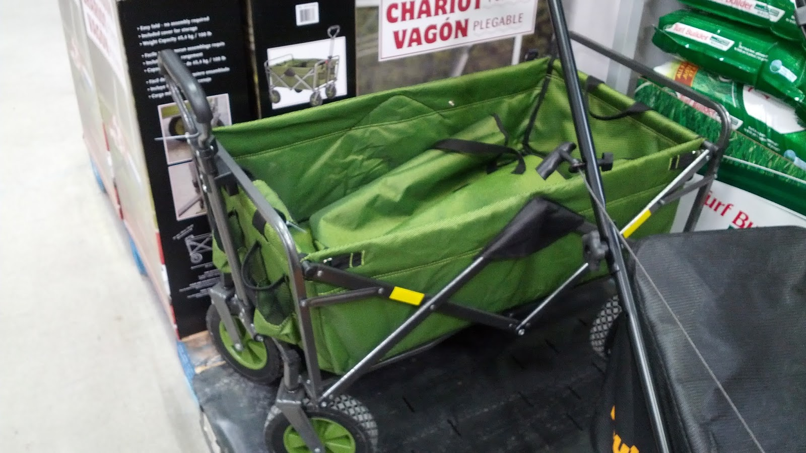 Lug equipment with the Collapsible Wagon