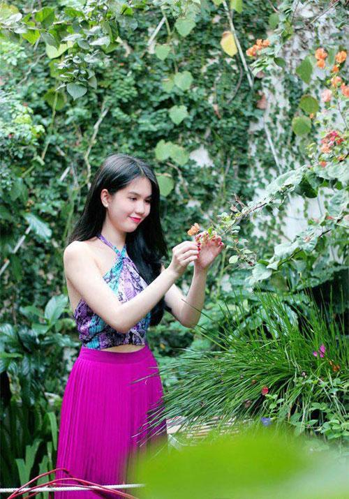 Ngoc Trinh Beautiful With Maxi Flower Skirt