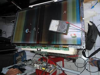 TV Lcd Samsung LA32R81B gambar garis-garis belang