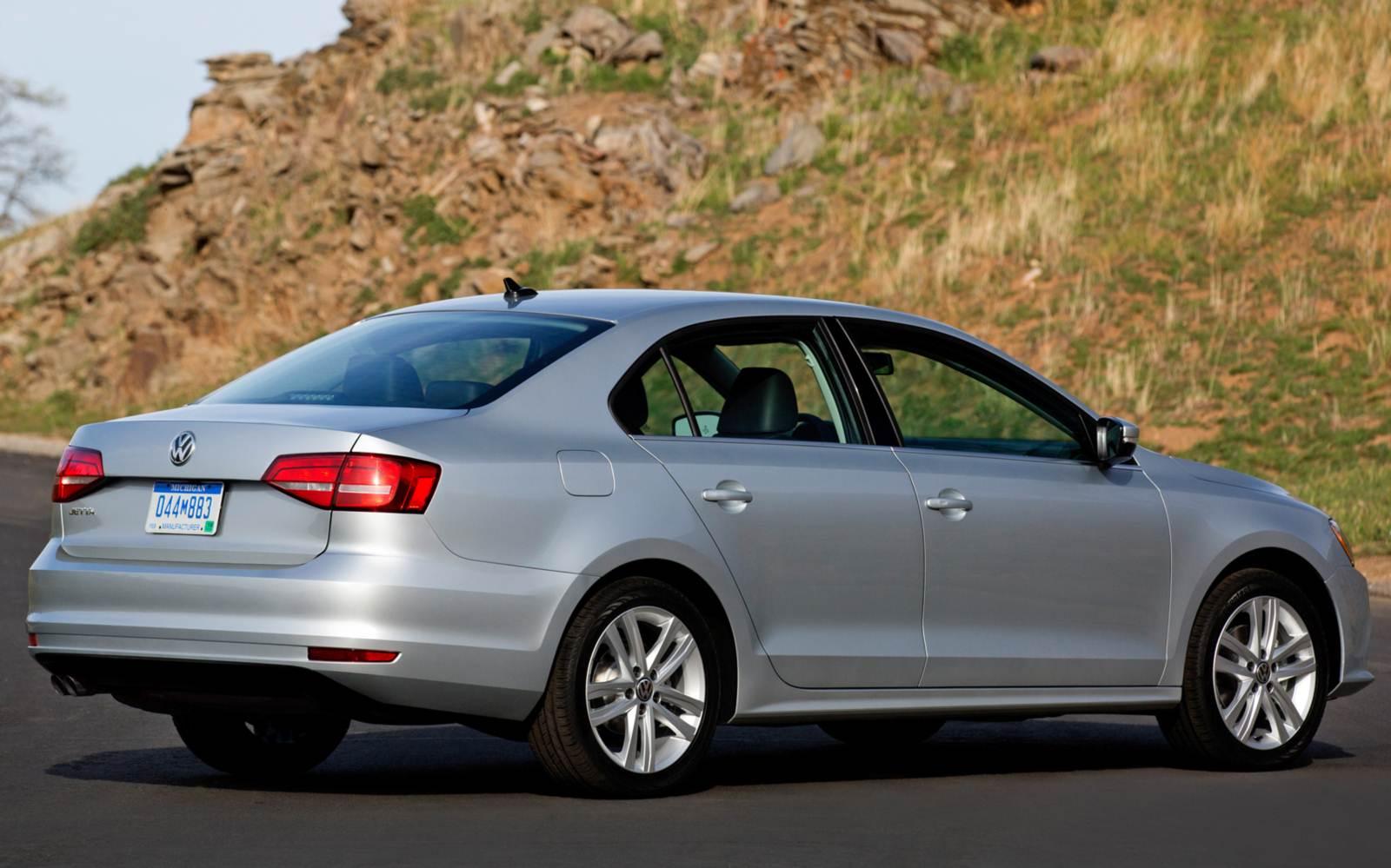 Novo Volkswagen Jetta 2015 - traseira